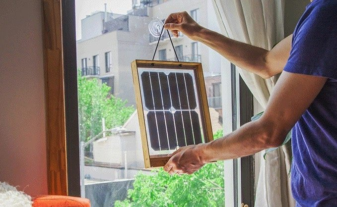 Window solar charger duurzaam opladen